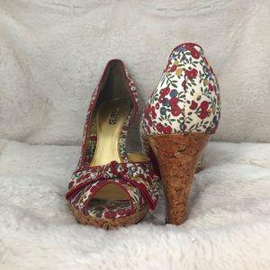 Retro floral print platform heels